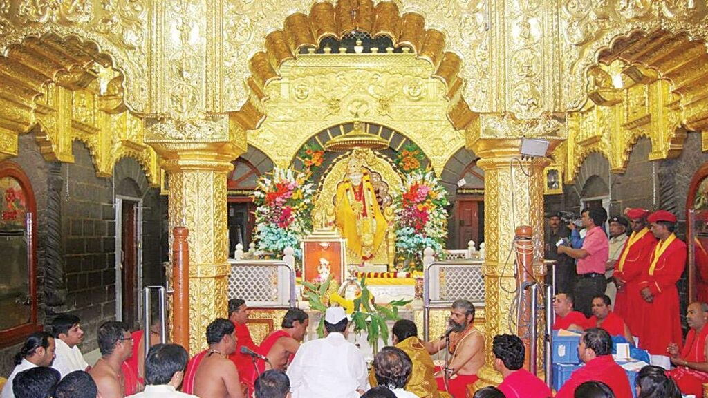 7 Wealthiest And Richest Temples In India 1