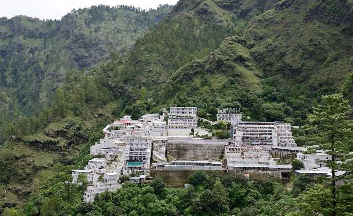 7 Wealthiest And Richest Temples In India 2