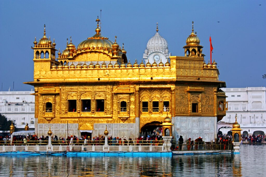 7 Wealthiest And Richest Temples In India 3