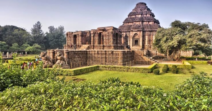 Incredible India: Best Tourist Attractions For Tourists In The East 2